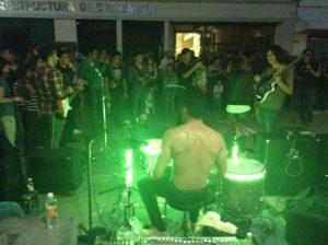 Los_Datsuns_Calle_Victoria_Centropolis_2014