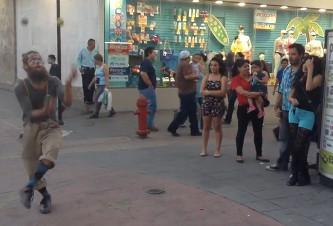 malabarista_estadounidense_calle_libertad_chihuahua