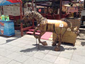 caballo_de_hojalata_escultura